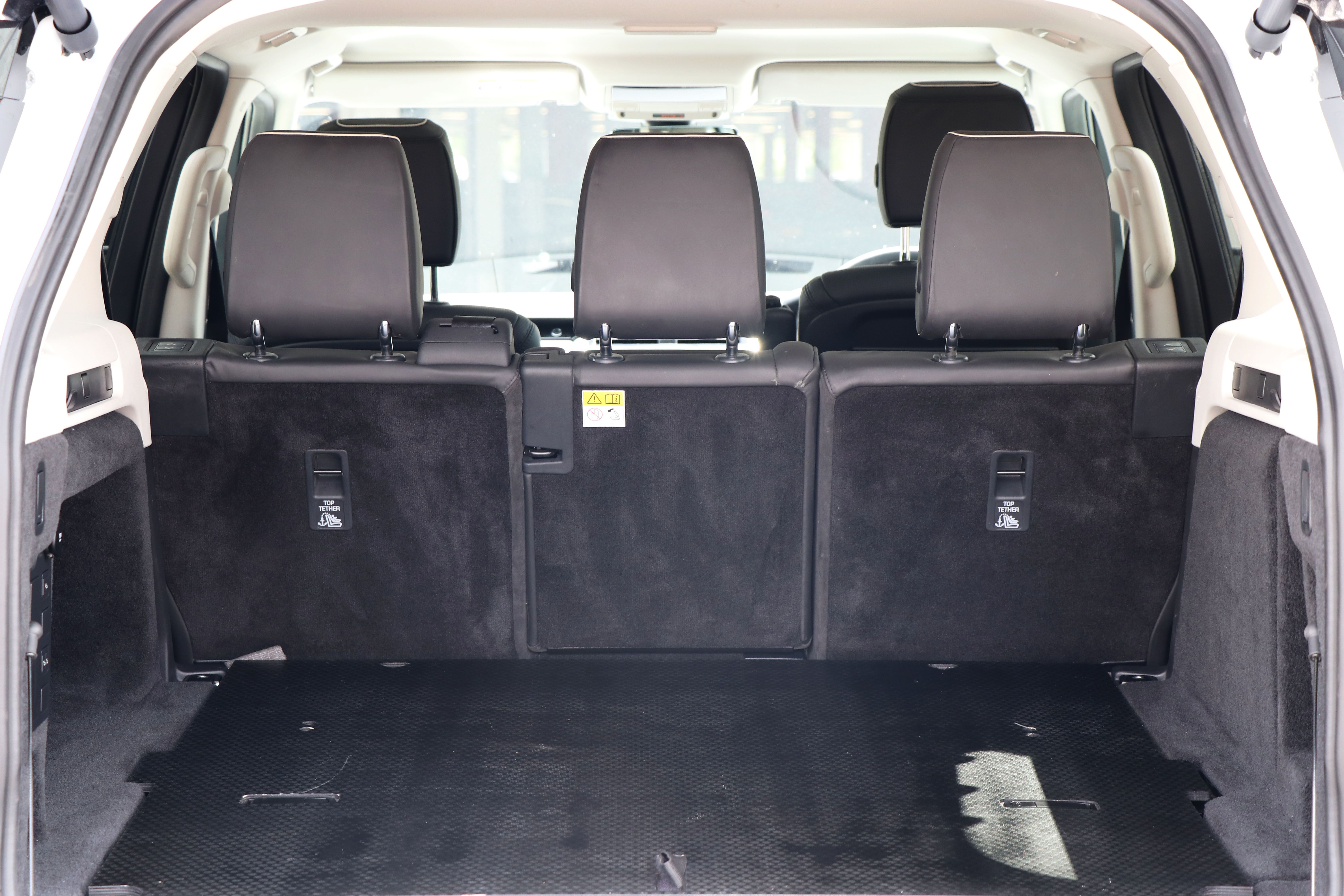Rear Seat Conversion For The Pre Owned Land Rover Discovery 5 Range Wiring Loom Commercial Vehicle